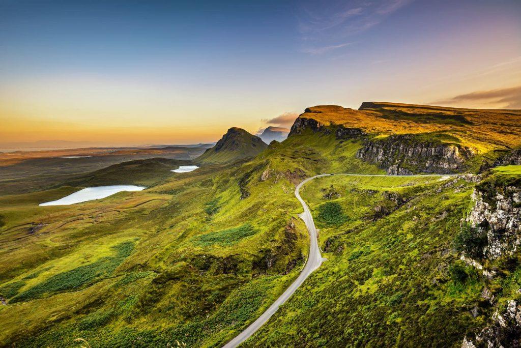 Das Quiraing Gebirge im Sonnenuntergang
