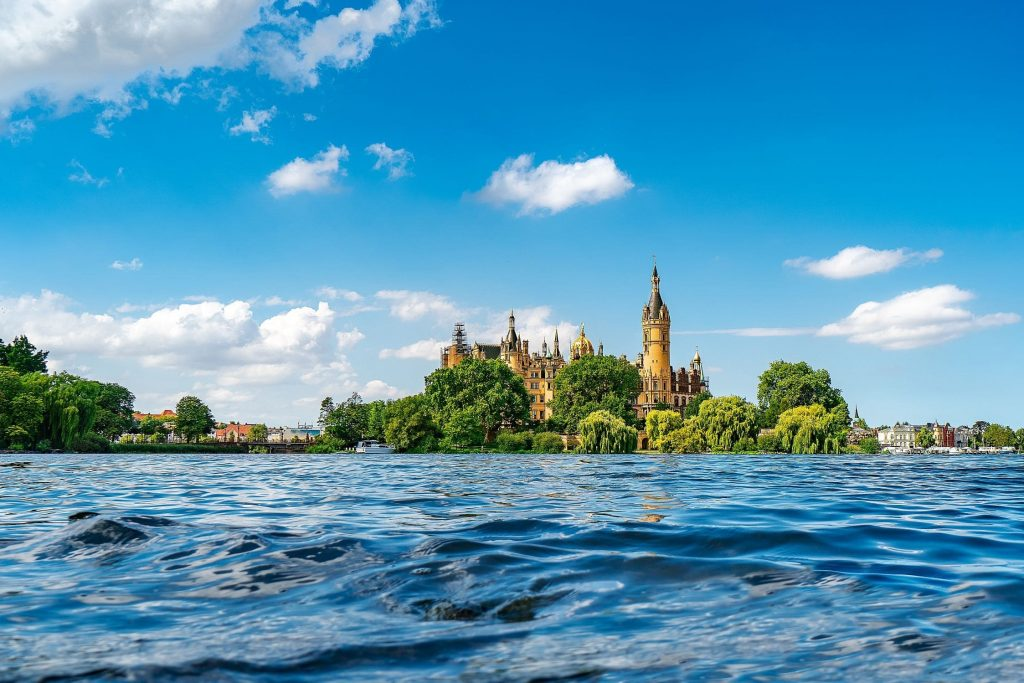 Schweriner Schloss im Schweriner See